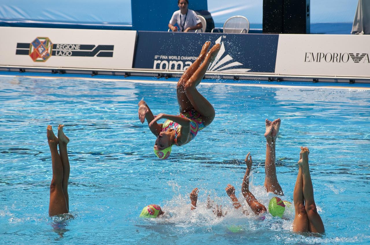 Senkronize Yüzme Nedir? Kuralları ve Figürleri Nasıldır?